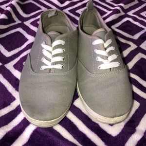 Grey ked like shoes